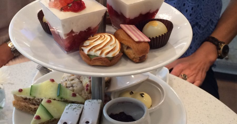 WedLuxe: High Tea chez Soirette
